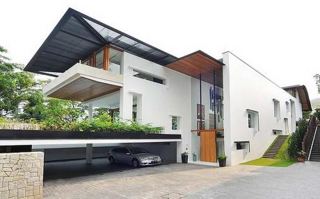 Городской дом с садом в Сингапуре