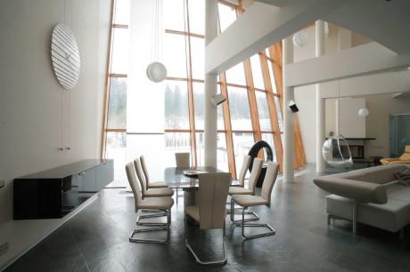 Дом Торус (Torus House) в России от архитектурного бюро Романа Леонидова.