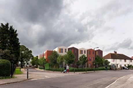 Дом Y-Cube в Англии от Rogers Stirk Harbor + Partners.