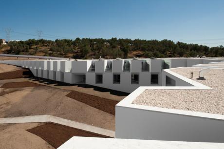 Минималистский комплекс в Португалии