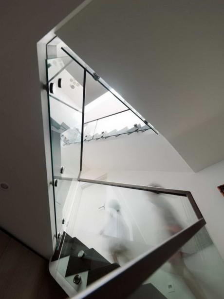 Дом на вершине скалы (Cliff Top House) в Австралии от Luigi Rosselli Architects.