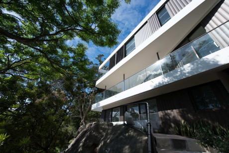 Дом на скале в Австралии