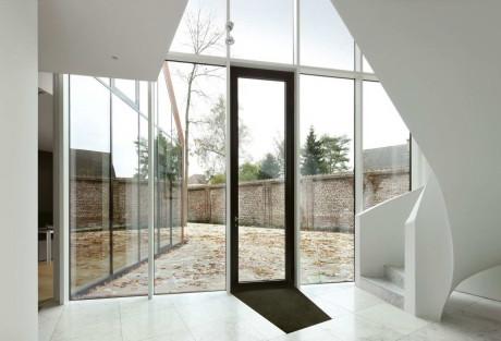 Дом VDV (House VDV) в Бельгии от Graux & Baeyens Architects.