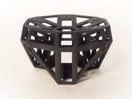 Еще одно практическое приложение 3D-печати предложила Studio Minale-Maeda на мебельной ярмарке в Милане.