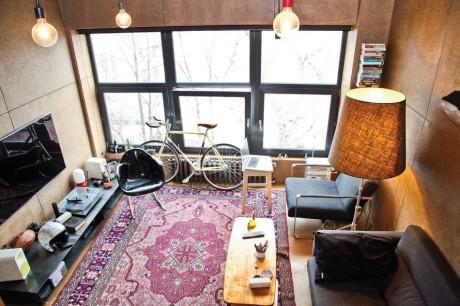 Реконструкция квартиры режиссёра Владилена Разгулина в Москве от Алексея Розенберга и Петра Костёлова.