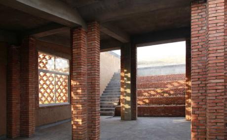 Кирпичный дом в Китае