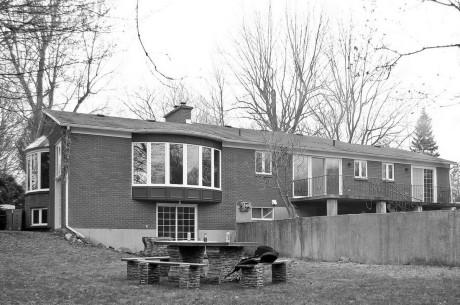 Дом Крисан (Crisan House) в Канаде от EST Architecture.