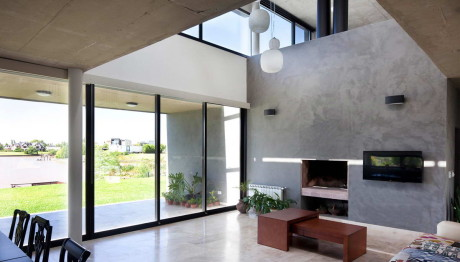 Дом JG (JG House) в Аргентине от Speziale Linares Arquitectos.