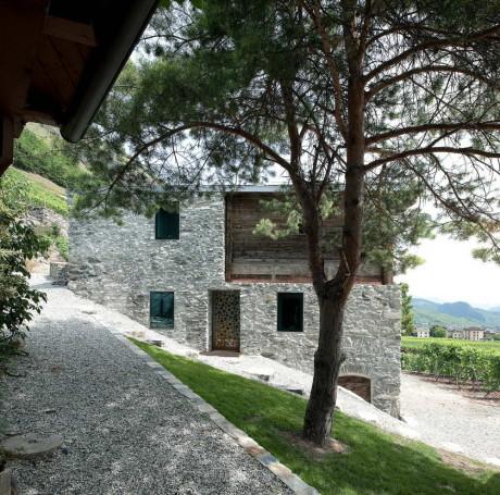 Дом Германиер (Germanier House) в Швейцарии от Savioz Fabrizzi Architecte.