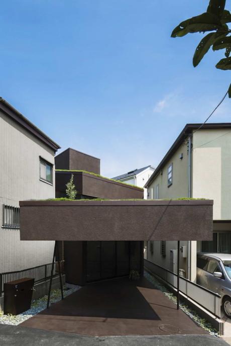 Дом с зелёной крышей в Японии