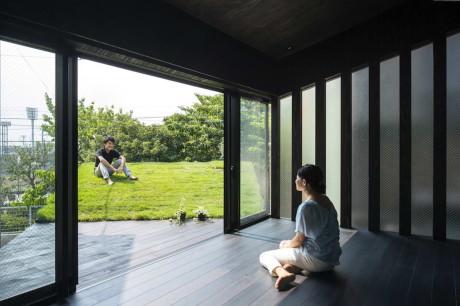 Дом Травяная Пещера (Grass Cave House) в Японии от Makiko Tsukada Architects.