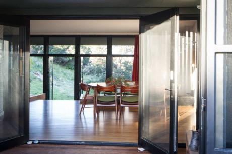 Дом на берегу (Venus Bay Bach) в Австралии от MRTN Architects.