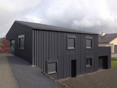 Трансформация дома (2db Transformation Residential House) в Швейцарии от Dubail Begert Architectes.