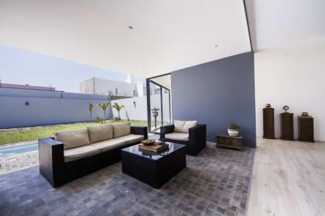 Дом LB в Пиуро (House LB Piura) в Перу от Riofrio+Rodrigo Arquitectos.