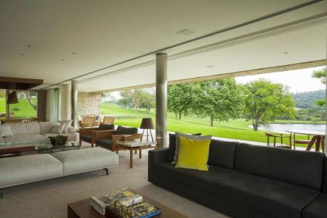 Резиденция Итатиба (Residencia Itatiba) в Бразилии от RoccoVidal P+W.