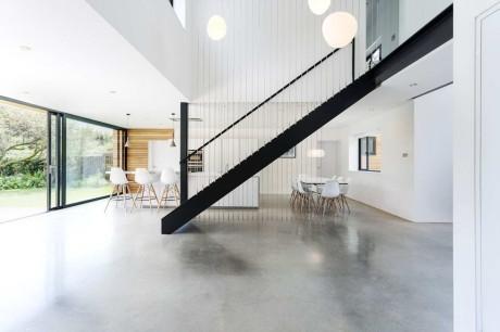 Бегущий дом (Runners House) в Англии от AR Design Studio.