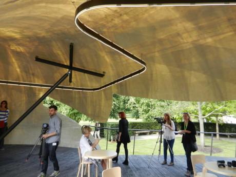 2014 Змеиный Павильон (2014 Serpentine Pavilion) в Англии от Smiljan Radic.