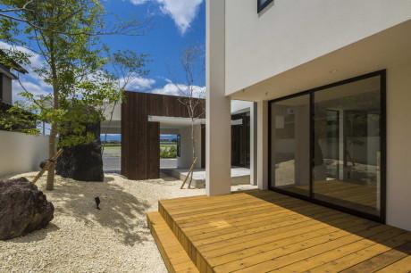 Дом со двором в Японии