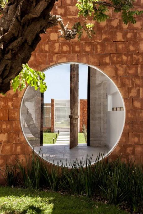 Дом Такуари (Taquari House) в Бразилии от Ney Lima.