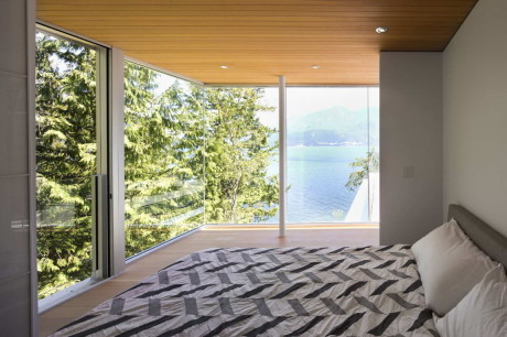 Дом на острове (Gambier Island House) в Канаде от Mcfarlane Biggar Architects + Designers.