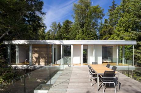 Дом на острове в Канаде