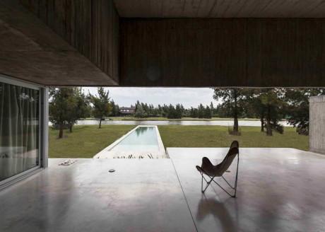 Дом М (House M) в Аргентине от Estudio Aire.
