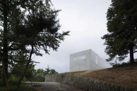 Бетонный дом в Японии