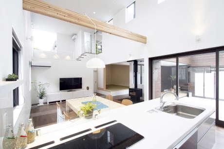 Дом в Фукутияма (House in Fukuchiyama) в Японии от arakawa Architects & Associates.