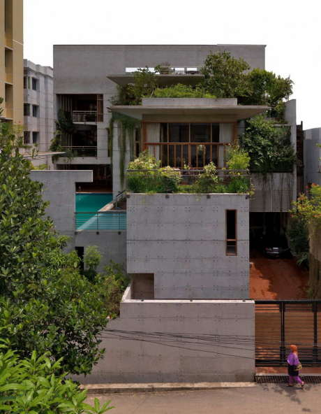 Городской дом с бассейном в Индии