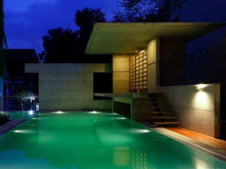 Резиденция Мамун (Mamun Residence) в Индии от Shatotto Architecture For Green Living.