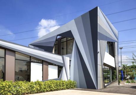 Офис продаж (Plum Condo Sales Office) в Таиланде от FOS.