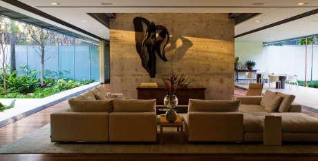 Резиденция А.Б. (Residencia A.B.) в Бразилии от Andrade Morettin Arquitetos Associados.