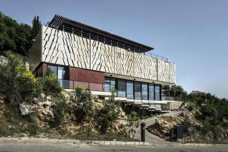 Вилла Тахан (Tahan Villa) в Ливане от BLANKPAGE Architects.