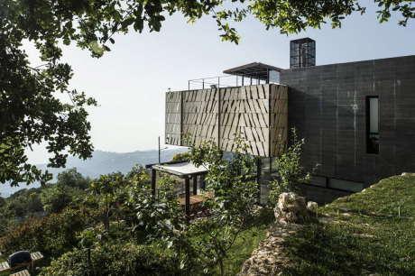 Дом на склоне в Ливане