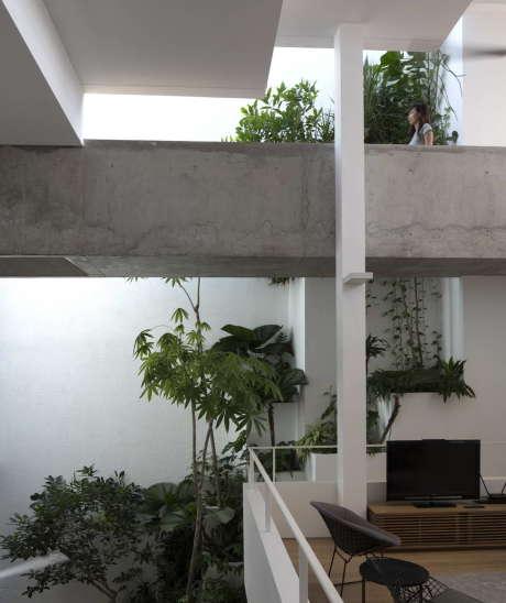 Дом-терраса (Terrace House) в Сингапуре от Formwerkz Architects.