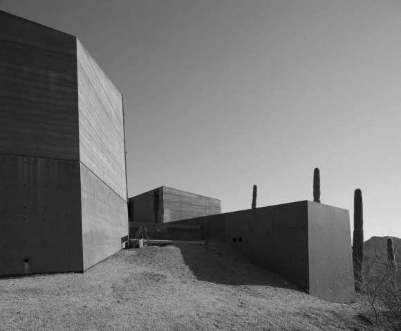 Desert Courtyard House 15