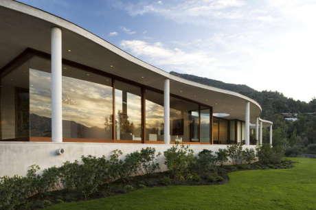 Дом Ло Курро (Lo Curro House) в Чили от Penafiel Arquitectos.