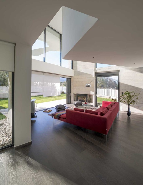 Paradox House 15