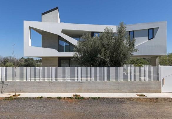 Paradox House 4