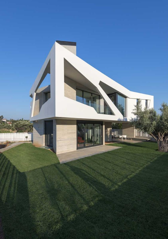 Paradox House 7