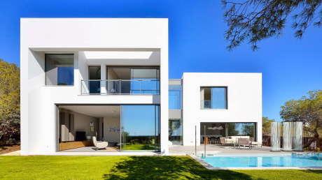 Загордные дома в Испании