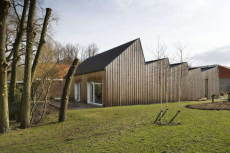 Резиденция Скачков (Skatchkoff Residence) в Бельгии от HUB.