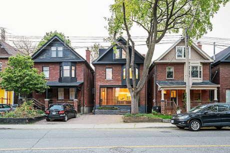 Дом в Торонто (Toronto Infill Home) в Канаде от JCI Architects.