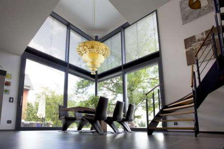 Дом Белый Куб (Weisser Wuerfel) в Германии от Gira.