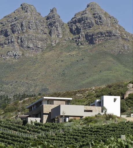 Дом на склоне (Hillside House) в ЮАР от GASS Architecture Studios.