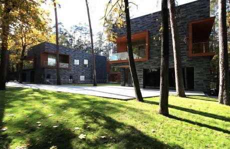 Две виллы (Two Villas) в России от Архитектурной группы ДНК.