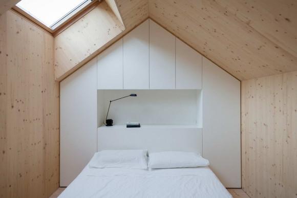 Compact Karst House 18