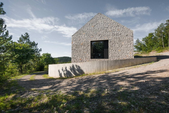 Compact Karst House 6