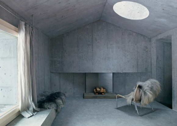 Concrete house 17