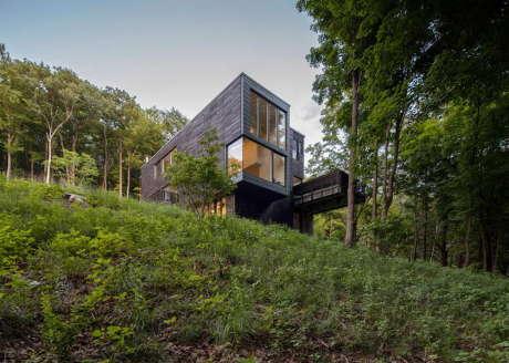 Дом Красный Камень (Red Rock House) в США от Anmahian Winton Architects.